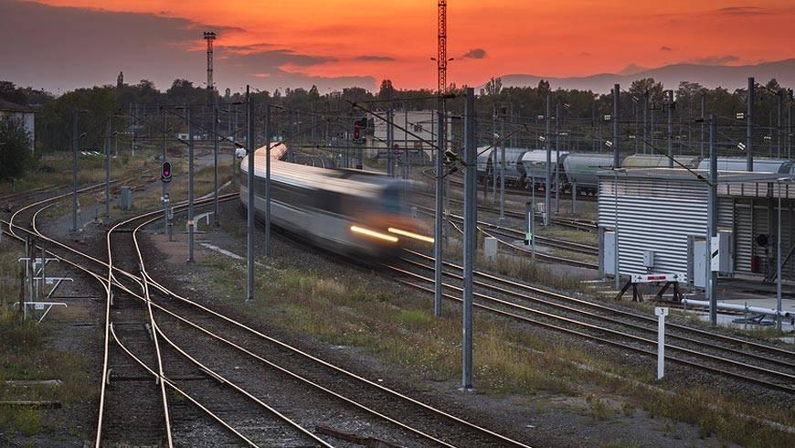 La Branche Du Fret De La SNCF Est Surendettée